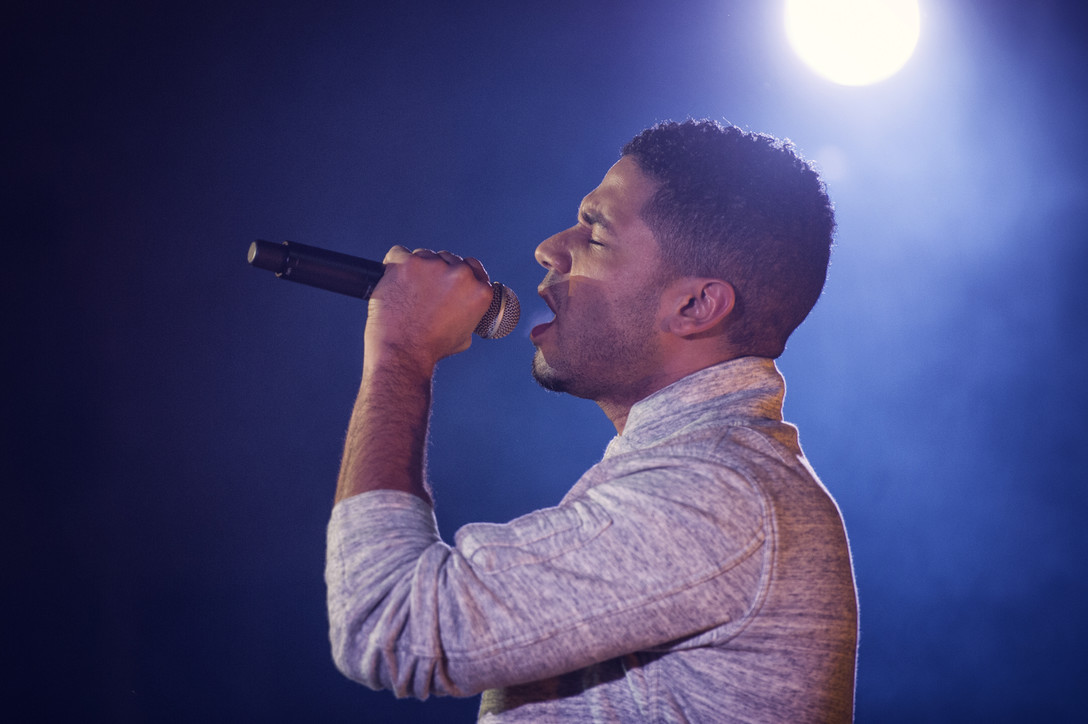 Jussie Smollett, known for his role as Jamal Lyon on the television series Empire, performs at Yokota Air Base, Japan, Dec. 15, 2015.