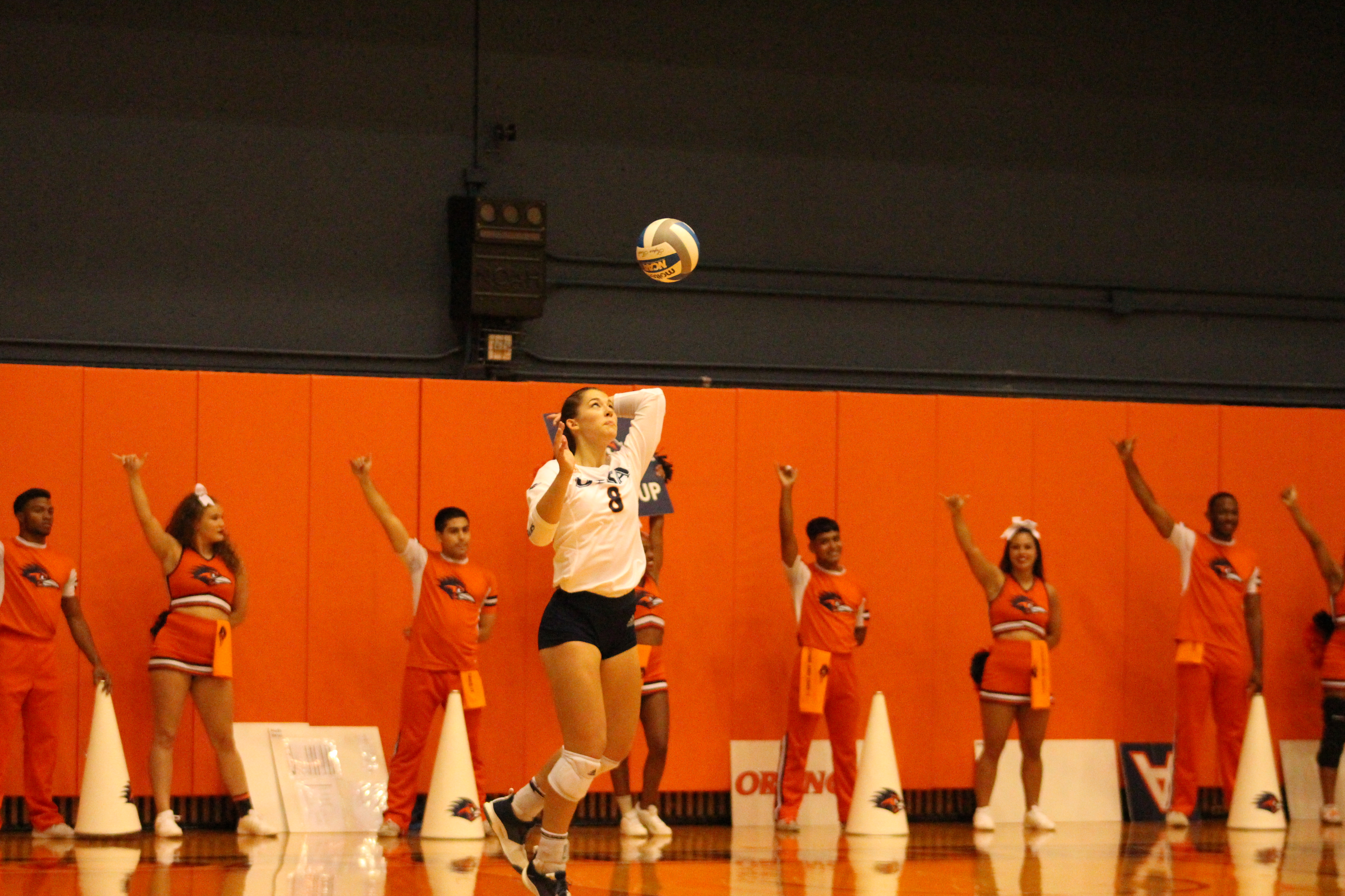 Courtney Walters serves an ace against the Charlotte 49ers.